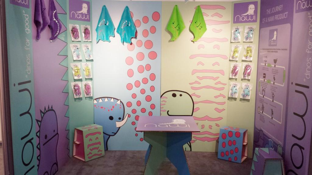 cardboard-tradeshow-booth